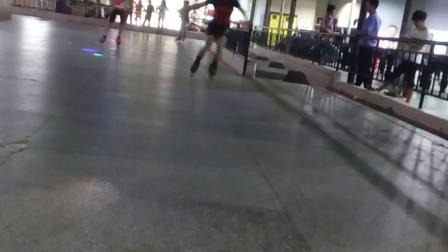 东莞长安上丰的士高溜冰场视频