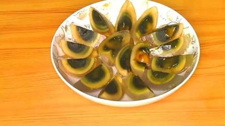 大厨教你做不一样的青椒皮蛋做法,简单美味,下酒又下饭的好菜!