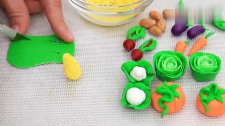 创意烘焙艺术 好看的绿色草地原来是个翻糖蛋糕