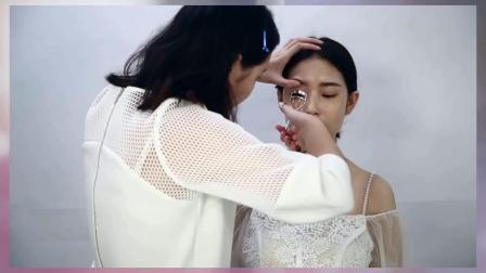 适合新手学习的日常化妆教程步骤,简单易学!