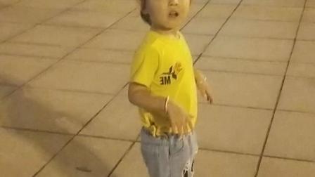 慧在跳广场舞
