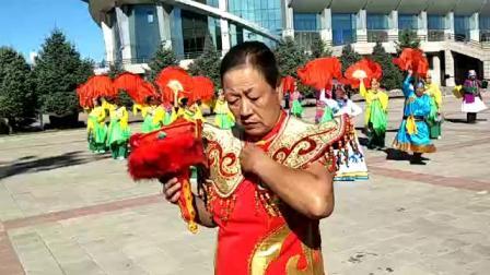 河西镇小颖健身队表演秧歌舞'大花轿'视频录制 萱子