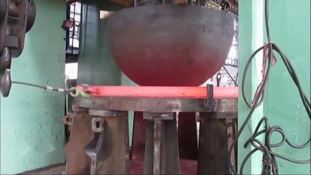 极速锻造厂内制作巨型轴的录像