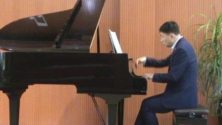 郑州刘杰钢琴即兴演奏国庆歌曲《不忘初心》