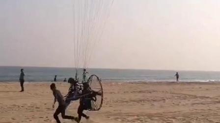 背式动力伞带飞