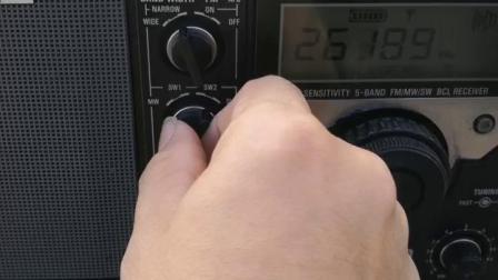 同样显示短波和中波,调谐器根本没用作用,显示频率依然乱跑