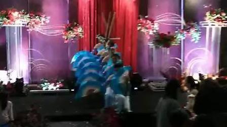 丽水青田漁度村婚宴上=青花瓷扇子舞