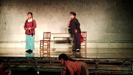 鹿邑县的陈玉蓉和李春兰两位老师演的折子戏朝阳沟(银环探母)