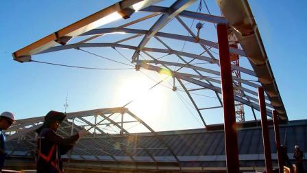 在ACCIONAEngineering的企业宣传片中出现了多台GH桥式起重机。