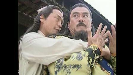 风云霜三师兄弟大战雄霸,结果完全不是对手,聂风还被弄瞎了眼睛