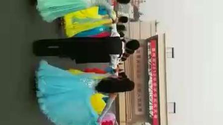 滦州市金色年华舞蹈队大型体育舞蹈一拖二快四舞