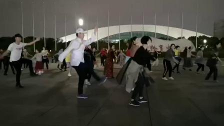 上海喜玛拉雅锅庄舞团学跳《恰日寺》