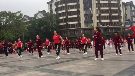 沙湾区激情广场健身队表演(动感的旋律)