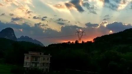 空闲时间,房顶上看看夕阳西下