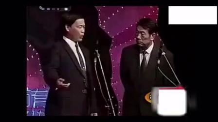 前辈杨少华、赵伟洲相声《一举成名》现场的掌