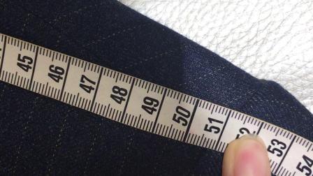 58码衣服,肩宽应为49.1,实际为50.7左右,宽出至少1.5厘米。