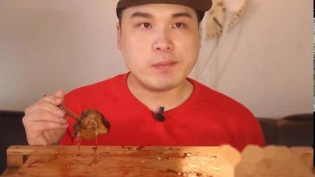 韩国大胃王弟弟吃蔬菜肉卷