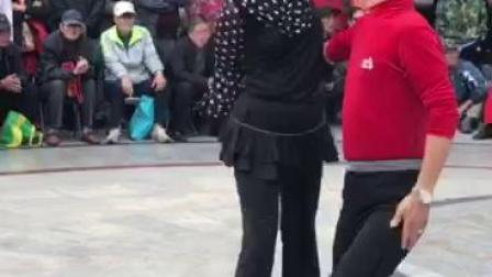天津水上公园周末聚舞吉特巴,这对老帅哥和美女跳的真棒(大山上传)2018.10.21曰