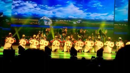 舞蹈:《牧歌》表演:山南市艺术团,摄像:鄢来彪。VID_20181030_200833(0)(0)
