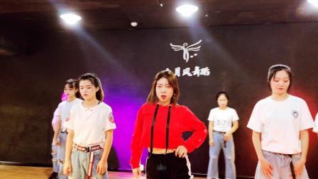 常州新北万达广场网红爵士舞抖音女团流行舞自由舞演出表演培训  六月风舞蹈学院