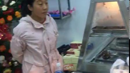 滨州张成荣电烤鸡架加盟店开业烤制现场