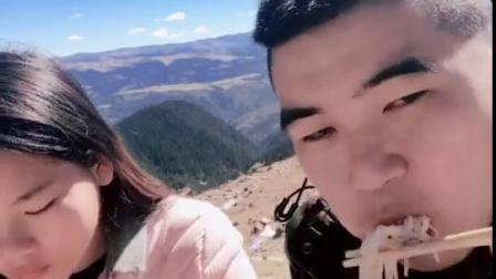 海拔4600米上吃面条。