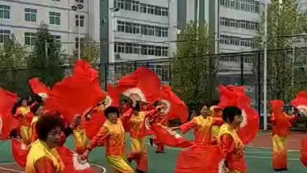 秧歌舞《欢天喜地》1539770017317