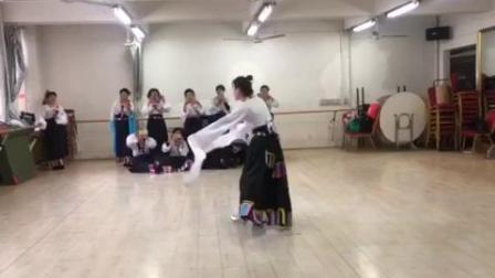 藏族舞《浪拉山情》