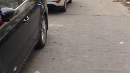 长沙市雨花区劳东东路与万家丽交汇处自元小区4栋里是怎么停车的消防车能进来吗?希望各位领导干部管理一下