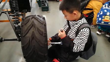 【北汽摩全地形车】昌平南口镇中心小学参加北汽摩汽车工程实践大课堂