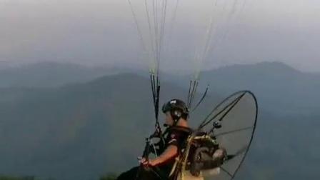 高山速滑伞动力飞行