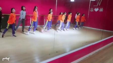 河南焦作舞恋舞蹈培训学校少儿班日常,舞出快乐童年!