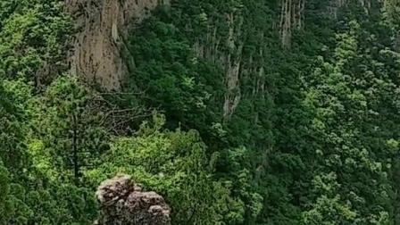 河北燕山山脉之承德西大尖山,古长城横贯燕