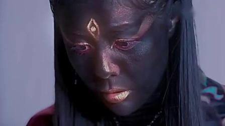 女鬼大开杀戒,却突然被一个孩子唤醒,最后变成了一个人!