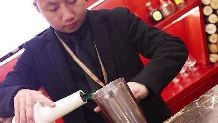 走近郑州欧米奇西点西餐学院精品调酒专业课堂