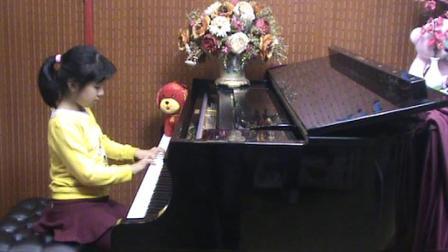 郑州小女孩钢琴演奏《保卫黄河》