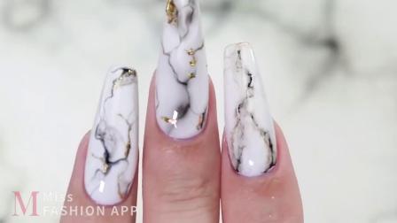 3种方法制作逼真的白色大理石纹美甲