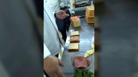 牛奶土司三明治