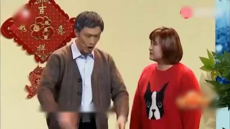 贾玲张小斐搞笑小品《一年又一年》,别样游子心