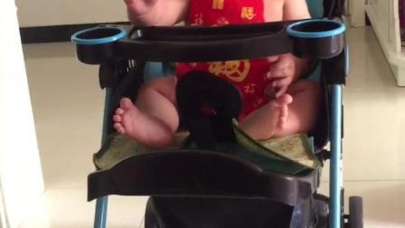 宝宝学步车到底好不好?
