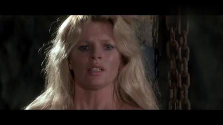007经典系列,英雄救美,面对匪徒疯狂堵截,只得跳海求生!
