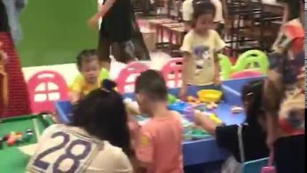 喔米儿童益智玩具体验馆游玩