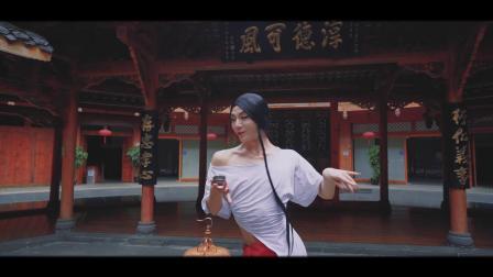 这是一场独一无二的演出,一位反串舞者的初梦与续梦.想走进他的艺术世界1月12号成都华侨城大剧院孙科舞蹈艺术展演