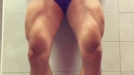 健身肌肉运动型男帅哥腿部同志gay