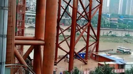 重庆的房子都在江边一层一层的