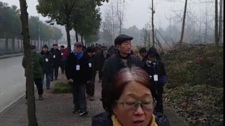 重庆公众河流环保志愿者集体巡查涪江支流