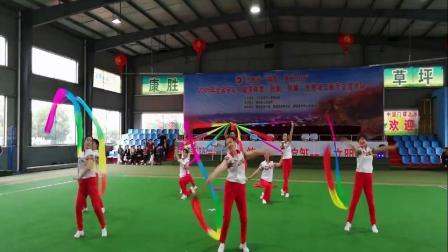 上犹县老年体协赴省创新舞蹈展示节目《彩带飘飘》