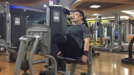 摇头岭车神腿部训练集锦 挑战深蹲220公斤 2018.11.14