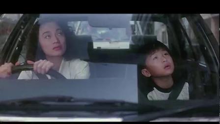 周润发电影:波波接儿子,带他去玩,随便就见阿郎