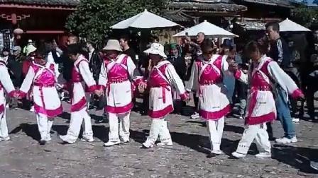 云南是一个多民族的地方,在丽江古城的四方